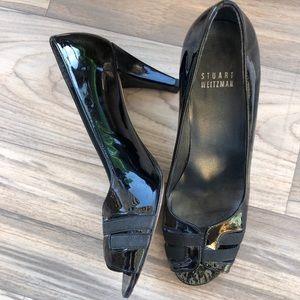 Stuart weitzman black patent leather pumps